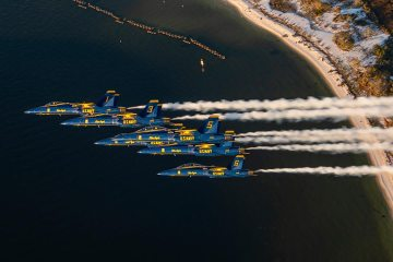 US Navy F-18 Hornet Blue Angels