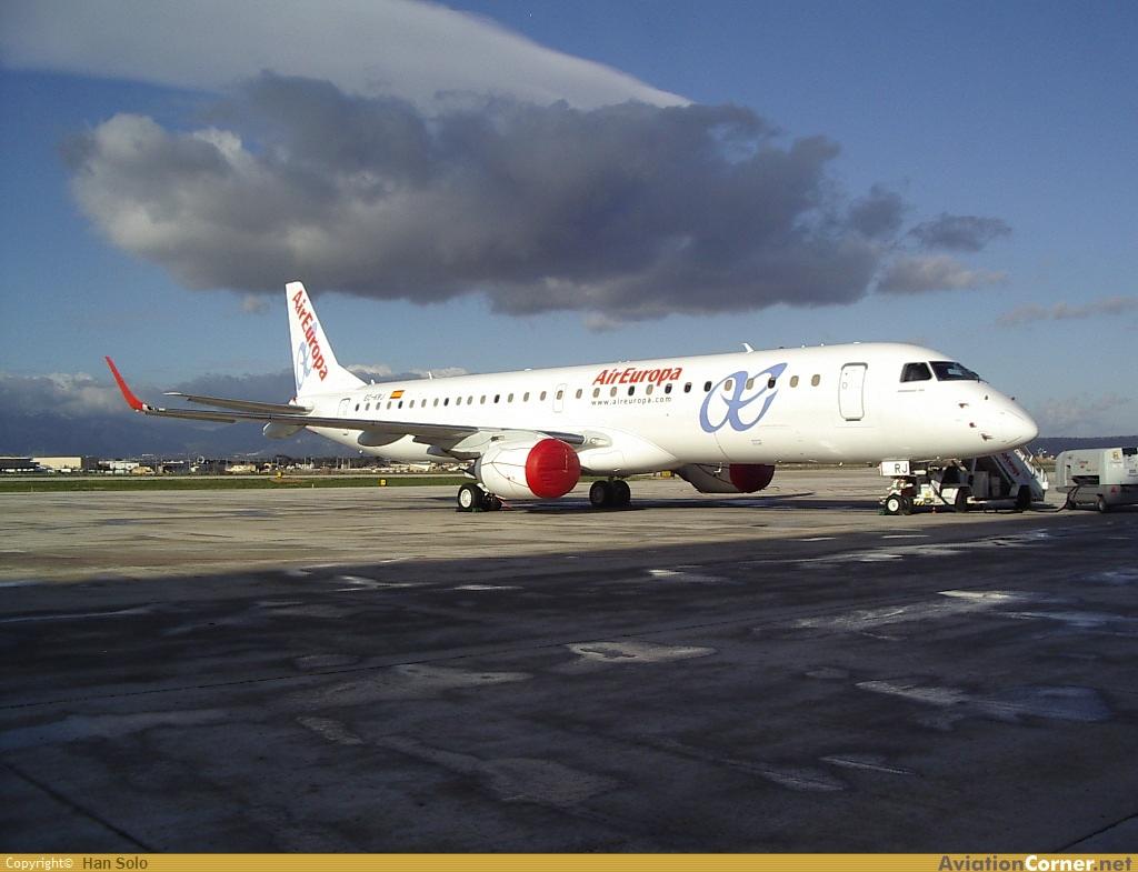 Air Europa estrenando sus colores en el E-190