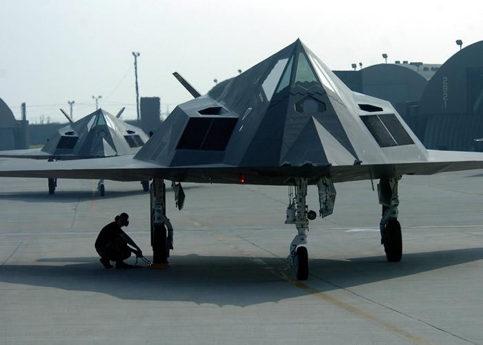 f117 nighthawks