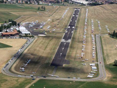 Vista dall'alto dell'aeroporto di Pavullo durante il VFR e FUN2021