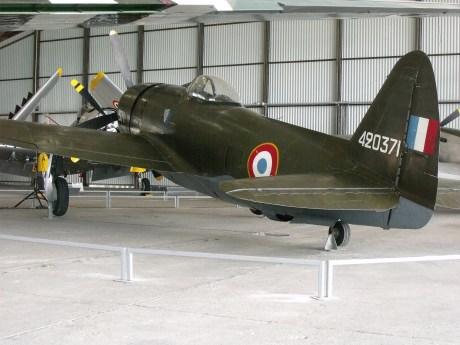 L'énorme P-47 Thunderbol vu de dos.