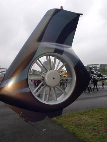 Gros plan sur le rotor anticouple Fenestron de l'EC130.