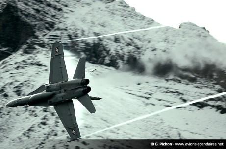 F-18 Hornet suisse - Axalp 2012