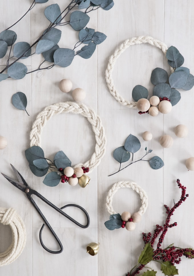 Braided rope and ribbon wreath
