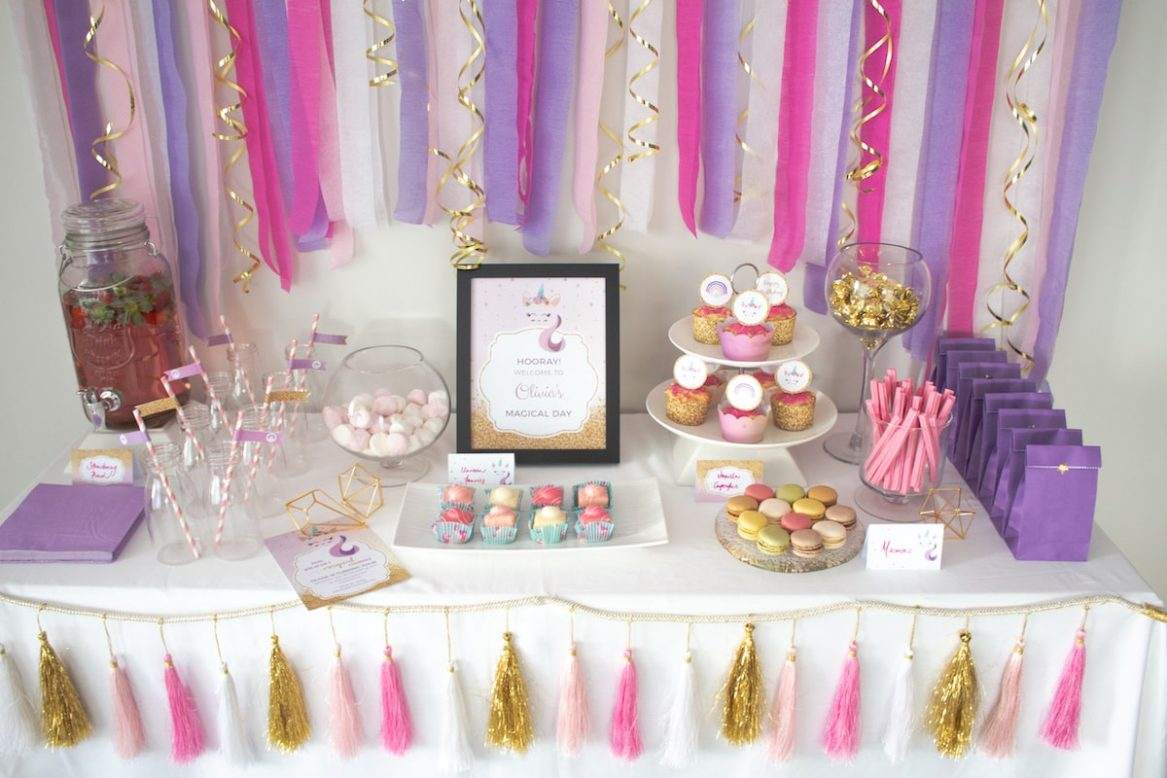 Simple party buffet with printables and decorations