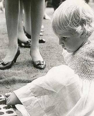 Resultado de búsqueda talidomida grünenthal 60 años del primer mutilado bebe nacido deforme
