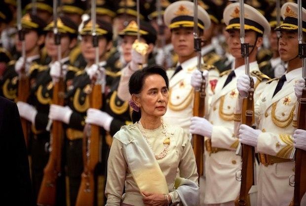 Los militares toman el control del gobierno en Birmania