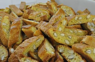 Cantucci (c) Wikimedia Commons, Matteo Bertini
