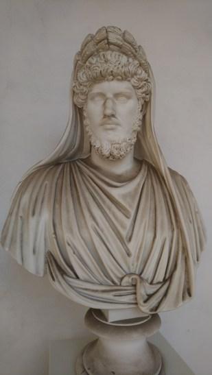 Lucius Verus, de medekeizer van Marcus Aurelius. Altijd herkenbaar aan zijn puntige neus en lange gezicht.