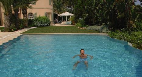 Jean-François Copé dans la piscine de Ziad Takieddine