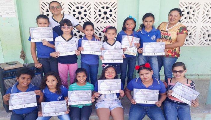 Itapiúna: Alunos da Escola Padre Miguel de Jesus Alves  recebem certificados e medalhas da OBA