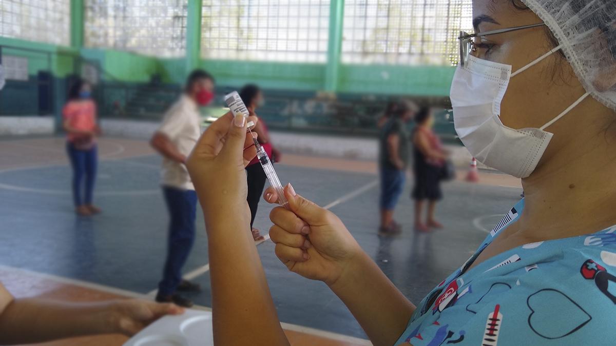Secretaria da Saúde de Itapiúna realizará vacinação da primeira dose para jovens de 14 anos