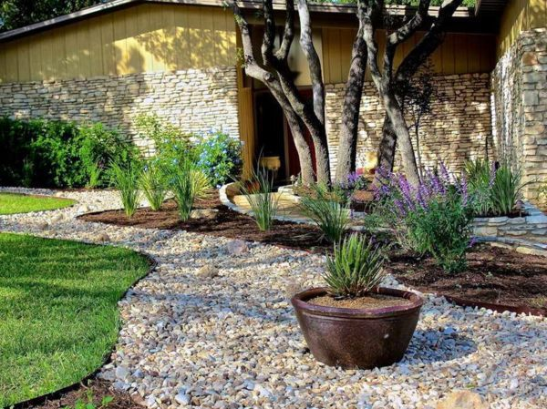 Landscaping with gravel and stones - 25 garden ideas for ... on Backyard Pebble Ideas  id=45156