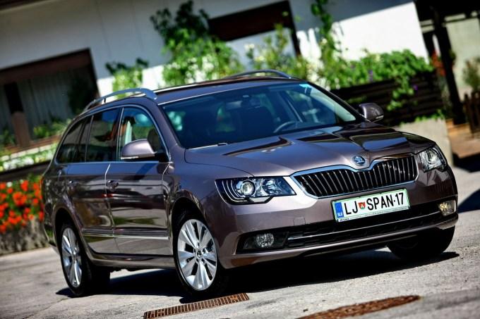 Škoda Superb: Combi za 1.000 evrov dražji od kombilimuzine.