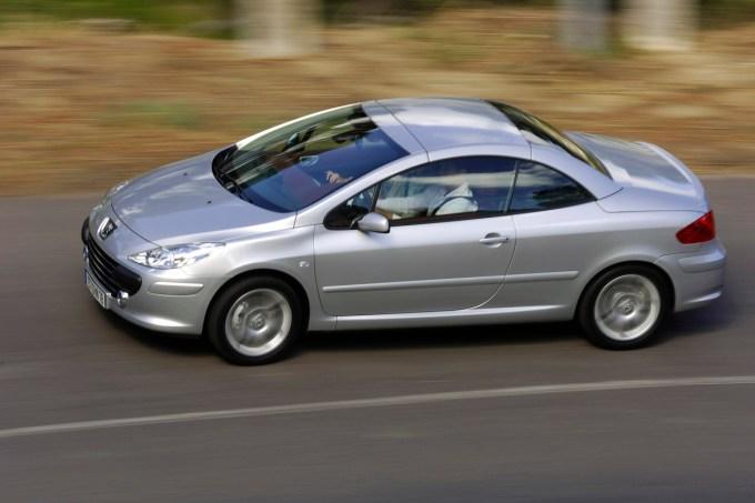Peugeot 307 CC: od kombilimuzine daljši za 14 centimetrov.