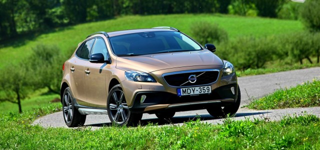 Volvo V40 Cross Country D4 Automatic Summum