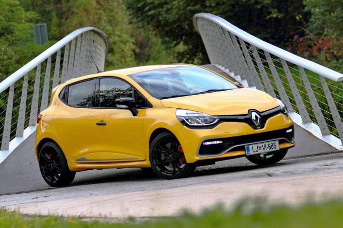Renault Clio R.S.: druga filozofija, malce drugačna ciljna skupina, a še vedno surovo hiter.