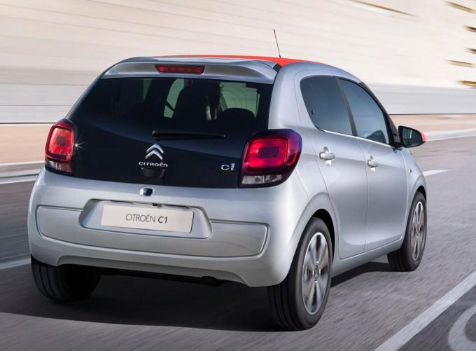 Citroën C1: s trivaljnima bencinskima strojema, z možnostjo platnene strehe v treh barvah in s 196- do 780-litrskim prtljažnikom.