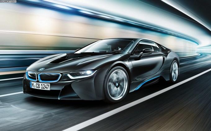 BMW i8 je serijsko opremljen z žarometi LED.