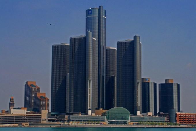 General Motors drago plačuje brezbrižnost pri odpravljanju napak na avtomobilih, saj so oziroma bodo na izredni pregled vpoklicali kar 20 milijonov vozil.