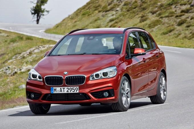 BMW serije 2 Active Tourer: tisti BMW, ki odkrito 'napada' Daimlerjev razred B.