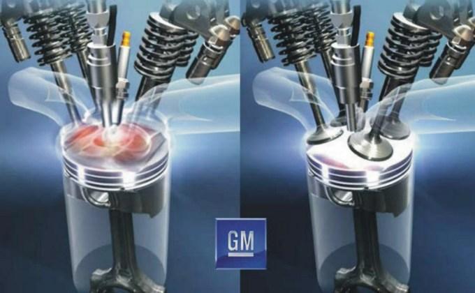 Primerjava med zgorevanjem v bencinskem motorju (levo) in homogenim zgorevanjem.