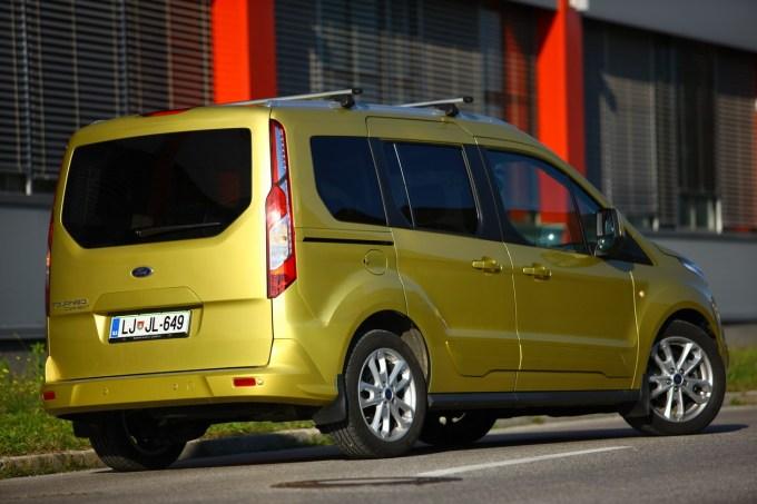 Ford Tourneo Connect: tisti Ford, ki hodi v zelje Kangooju, Doblóju, Berlingu, Partnerju, Caddyu in podobnim.