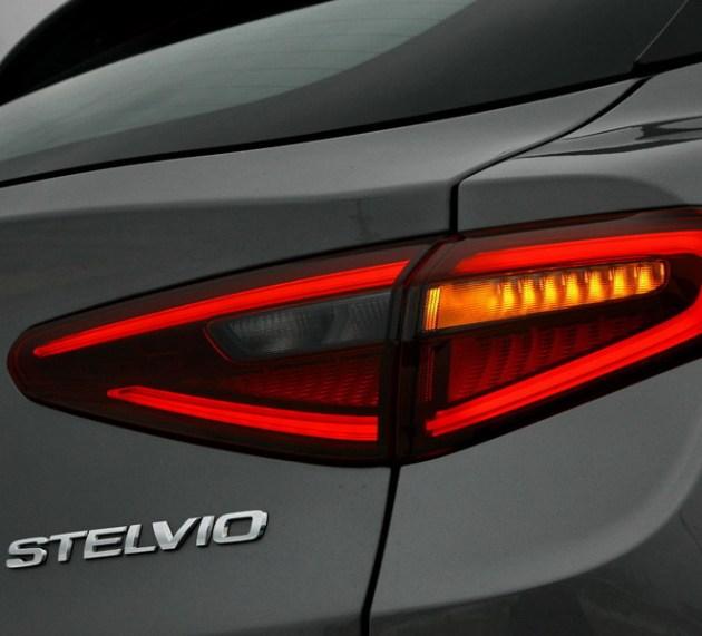 Alfa Romeo Stelvio 2.2 Diesel 16V 210 AT8 Q4 Super