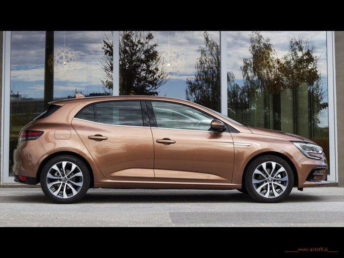 2020 - All New Renault MEGANE Hatchback - EDITION ONE LIMITED EDITION - Test drives (9)c