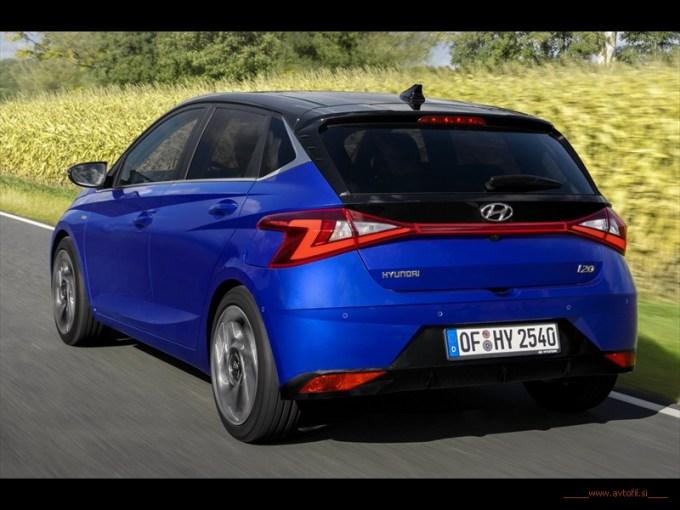 hyundai-all-new-i20-driving-12rc