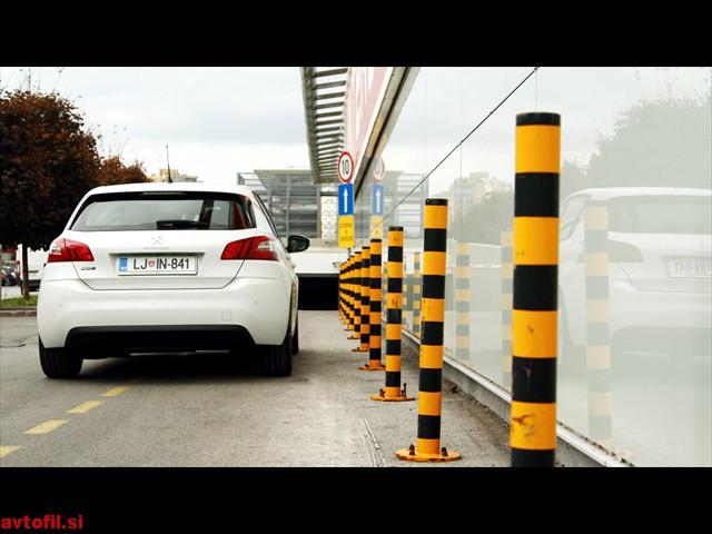 Peugeot_308_16_THP_Active_035