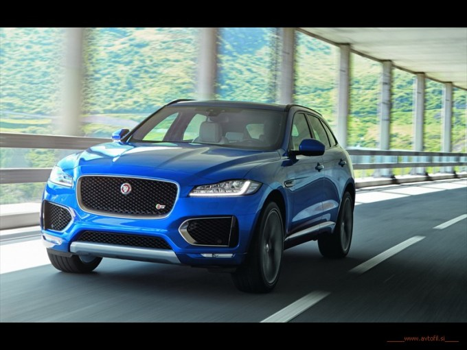 Jag_FPACE_LE_S_Location_Image_140915_11_(116299)c