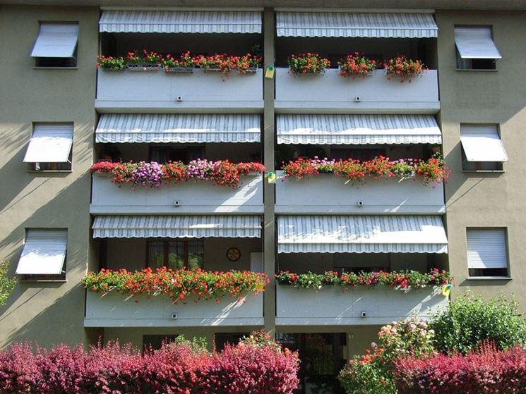 Balconi Esterni Condominio : Condominio la spesa per la riparazione di frontalini fioriere e