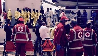 248 persone salvate dal naufragio e accolte dalla città di Bari