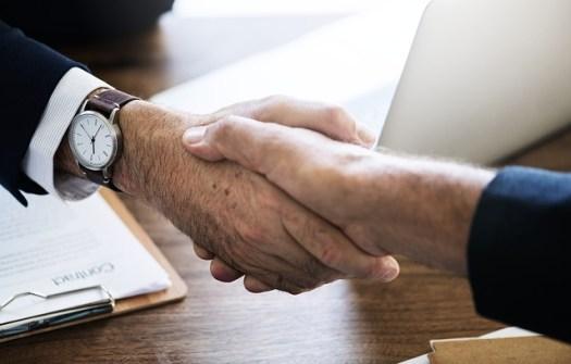 Recruiting a sales rep handshake