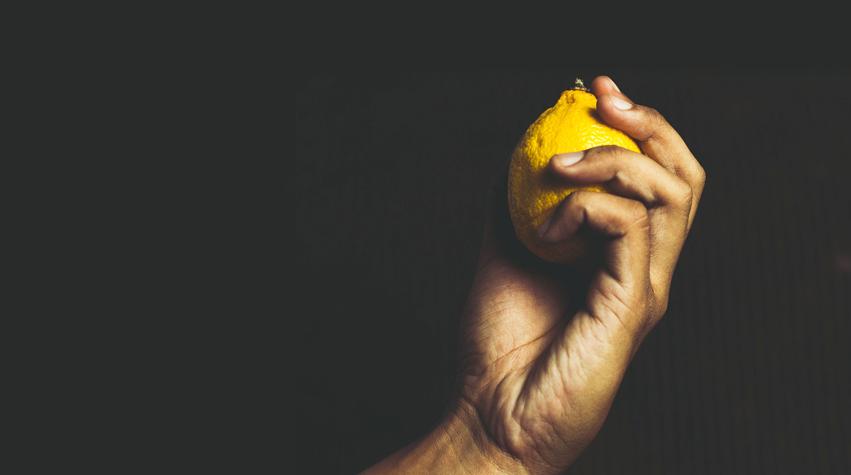 How to do a body detox. Lemon juice detox. Garlic detox. Epsom salt detox. How to detox your body. Awake Organics.