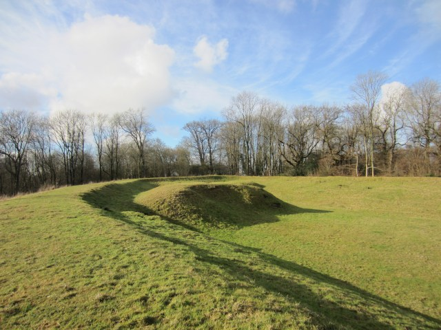 Earthworks in Reigate fort