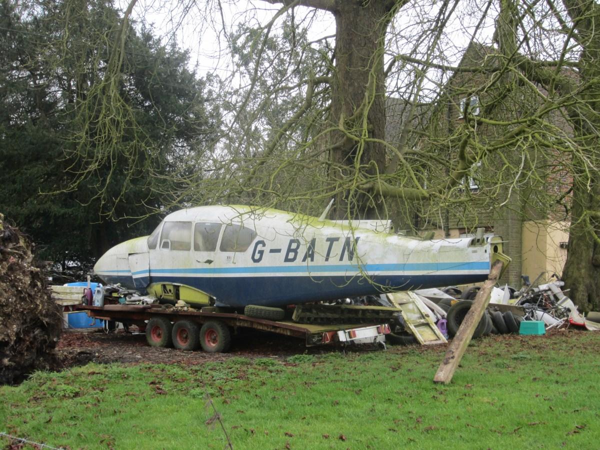 !? Aeroplane in the garden...as you do...
