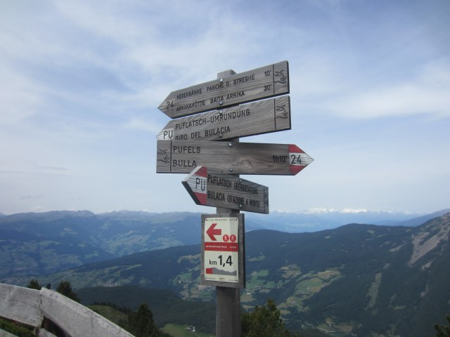 The routes have good signage, even at the top of mountains