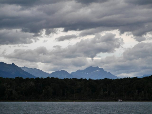 Te Anau lake view
