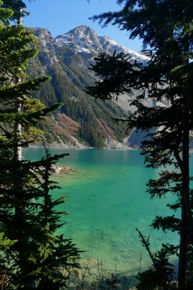 Pretty views of the Upper Lake
