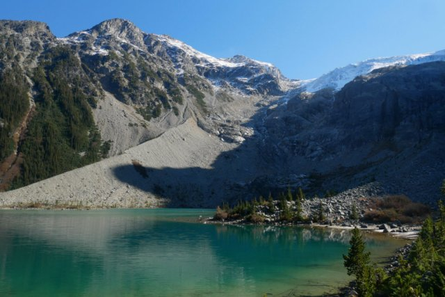 Joffre Lakes up to Glacier