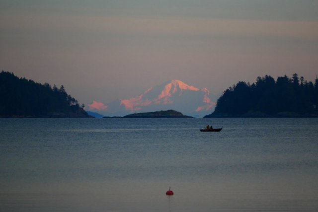 Mount Baker from the sunshine coast
