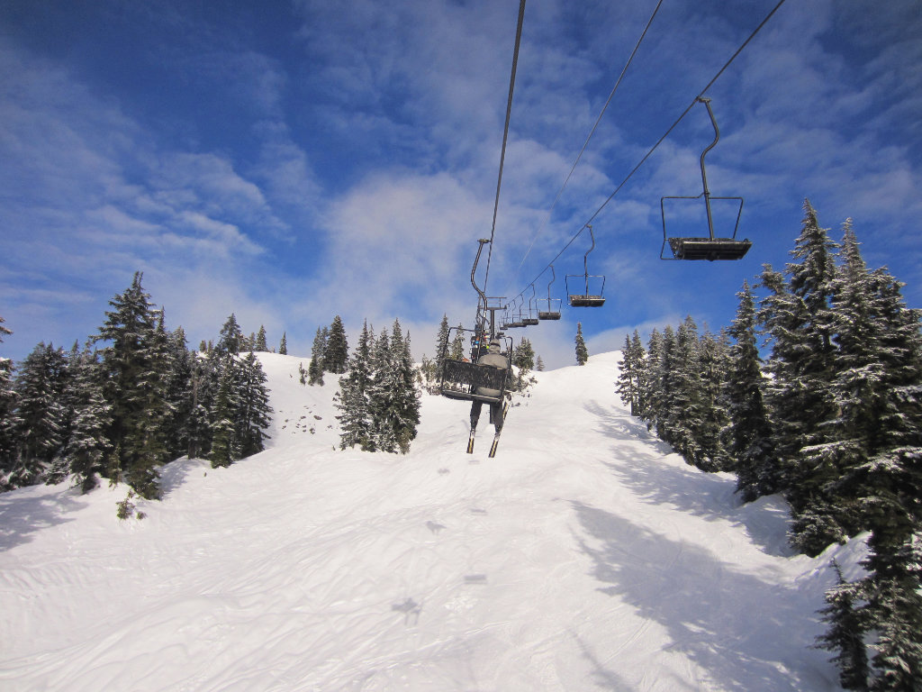 Happy New Year! Mount Seymour Skiing - A walk and a lark