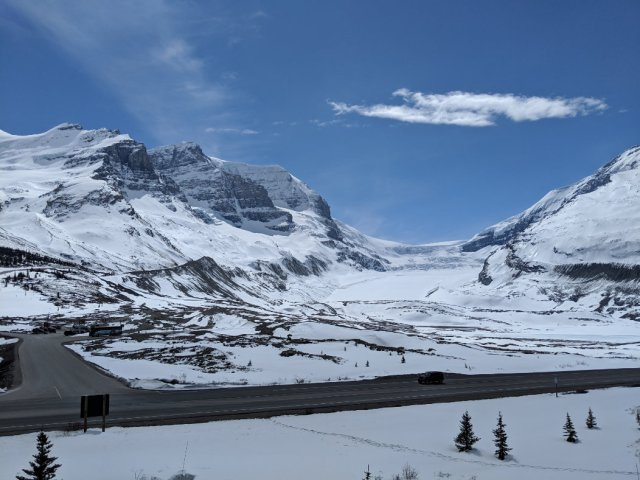 Parking for the Toe of the Athabasca Glacier Hike