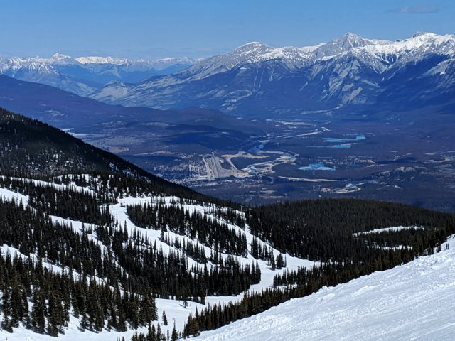 View down to Jasper from Marmot Basin