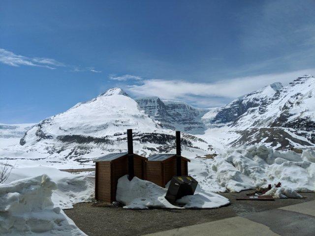 Athabasca Glacier loo