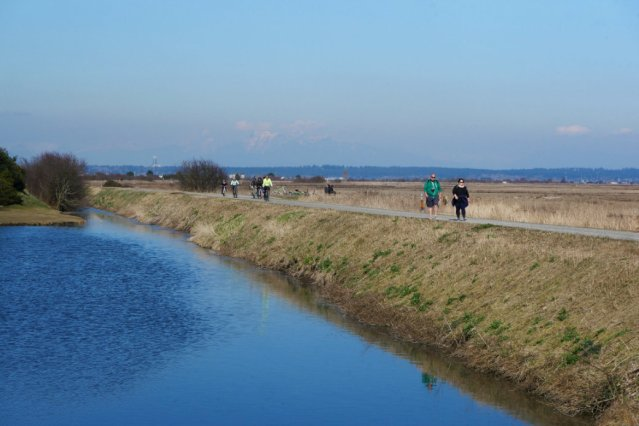Boundary Bay Dyke Trail keeps going f