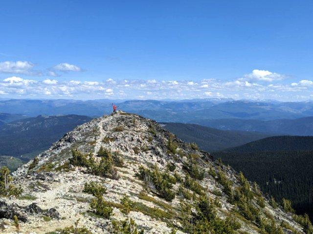 Pheen jumping on the peak