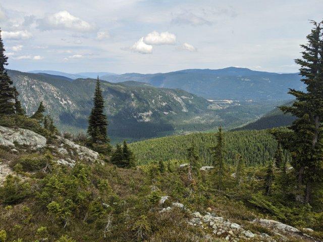 Views from the ridge on Zoe Peak